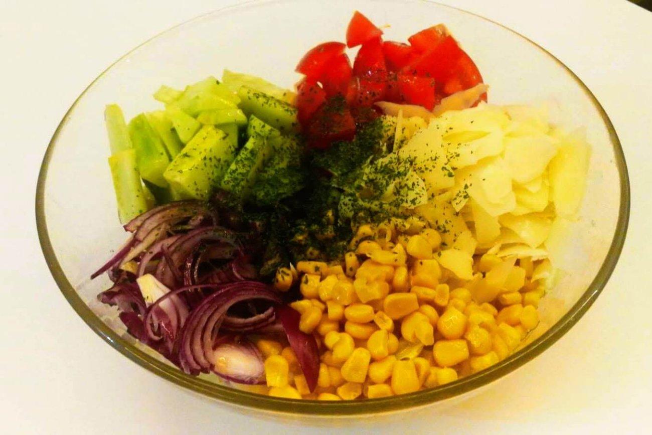 Ensalada de maíz y queso